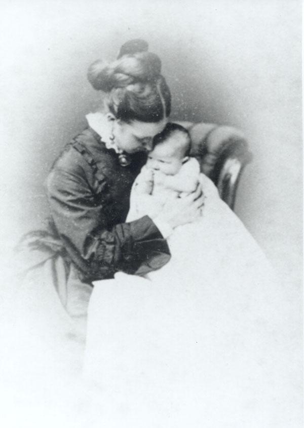 Caroline Sinclair