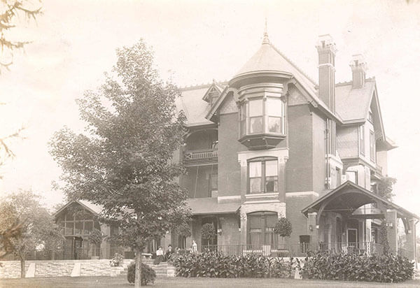 Douglas Era Mansion