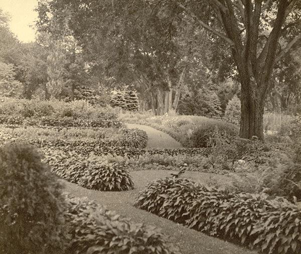 Hall Era Garden