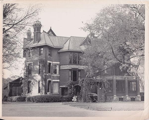 Hall Era Mansion